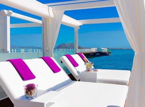 Hotel-Beach club jpg
